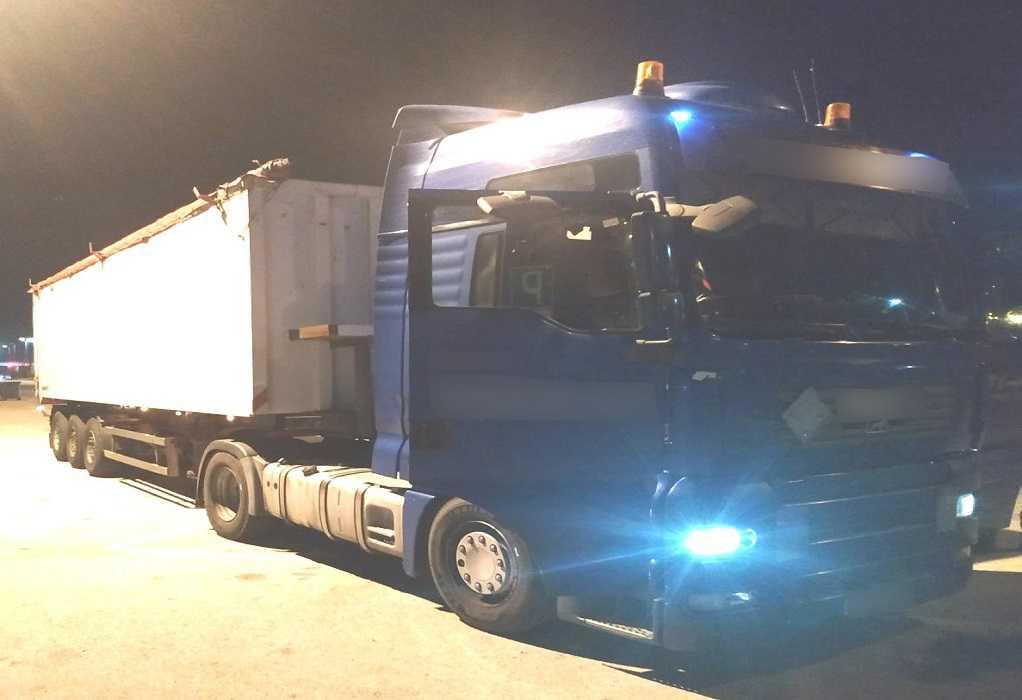 Κομοτηνή: Έκρυβαν σε καρότσα 30 τόνους λαθραίας βενζίνης που έφεραν από τη Βουλγαρία (ΦΩΤΟ)