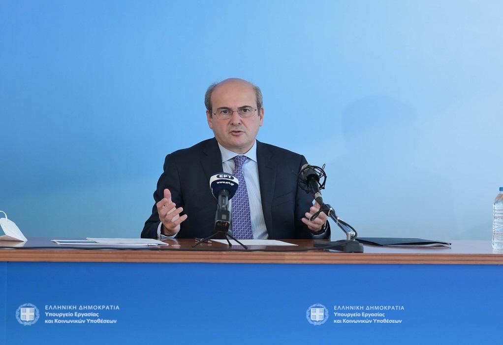 Χατζηδάκης: Ετήσιο όφελος 160 έως 691 ευρώ για τους εργαζόμενους από τις εξαγγελίες της ΔΕΘ