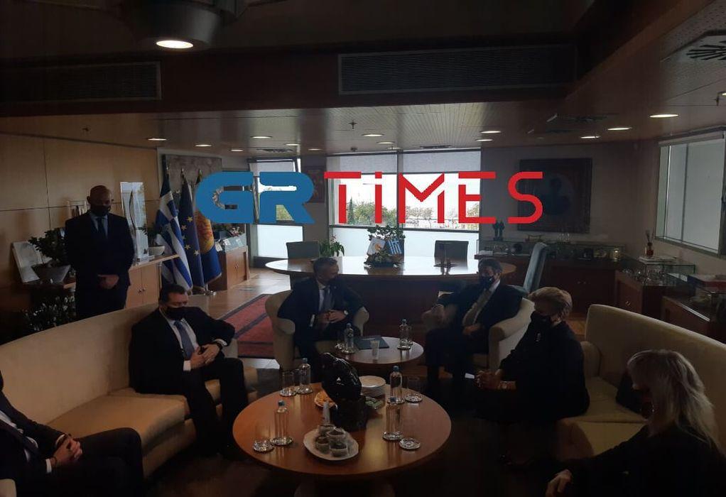 Ζέρβας: Θερμή υποδοχή στον Ν. Αναστασιάδη – Άκουσαν μαζί Θεοδωράκη στο jukebox (ΦΩΤΟ-VIDEO)