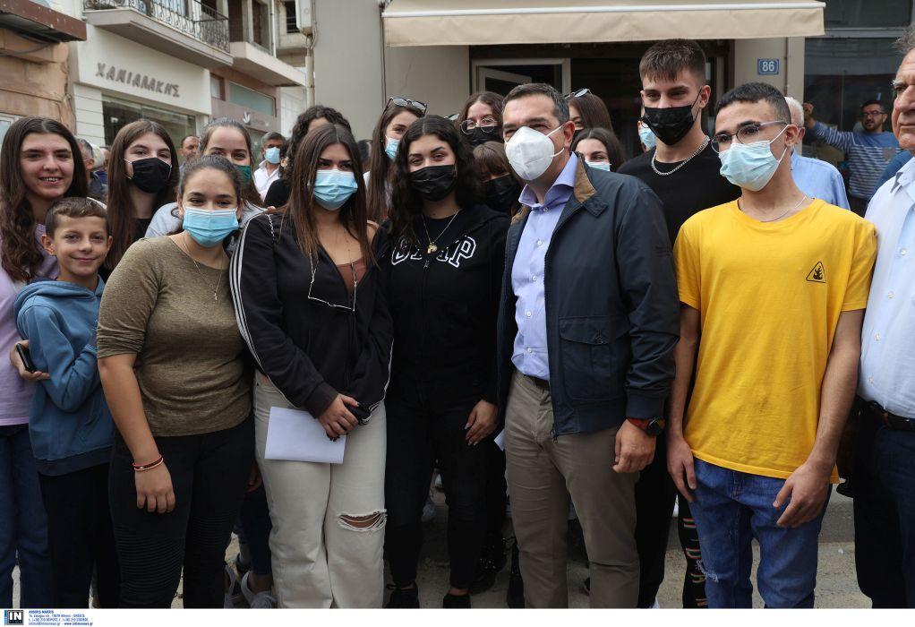 Σεισμός στην Κρήτη: Επίσκεψη Τσίπρα στο Αρκαλοχώρι – Θα δώσουμε μάχη για να μην ερημώσει η περιοχή