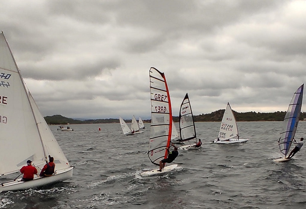 Diaporos Sailing Challenge: Άφθονη αδρεναλίνη στις δύσκολες καιρικές συνθήκες (ΦΩΤΟ)