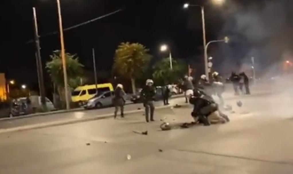 Θεσσαλονίκη: Προσαγωγή on camera στην αντιφασιστική πορεία (VIDEO)