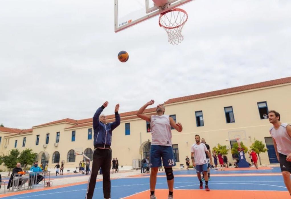 Θεοδωρικάκος: Έπαιξε μπάσκετ σε τουρνουά 3×3 της Αστυνομίας (ΦΩΤΟ)