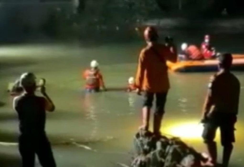 Ινδονησία: Έφηβοι πνίγηκαν κατά τη διάρκεια εκδρομής