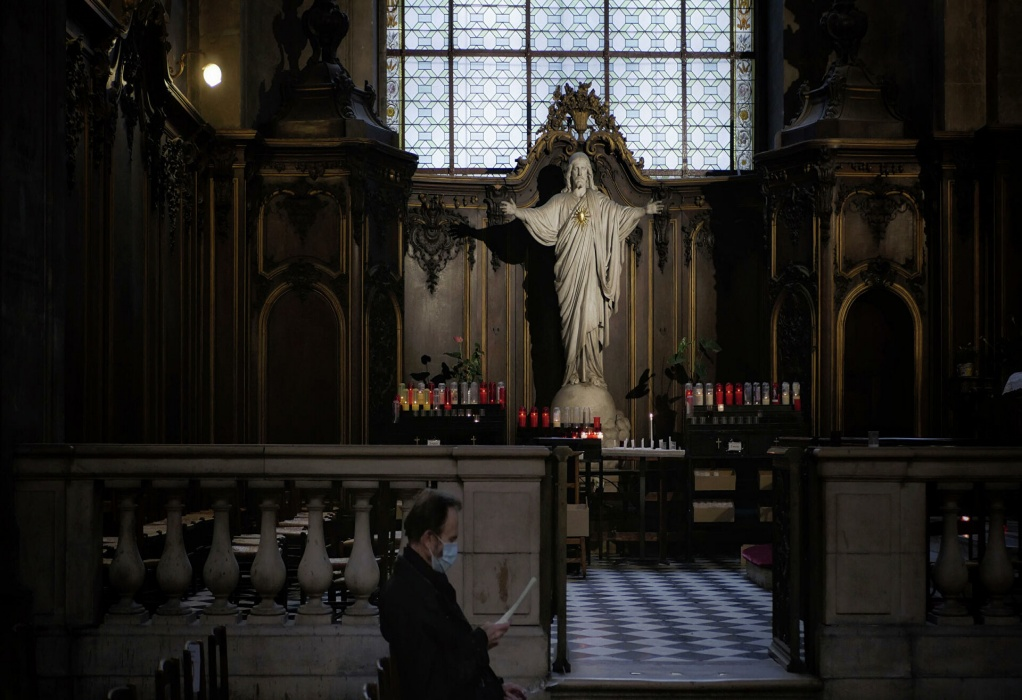 Σκάνδαλο στη Γαλλική Καθολική Εκκλησία: Πάνω από 200 χιλ. παιδιά κακοποιήθηκαν σεξουαλικά από το 1950