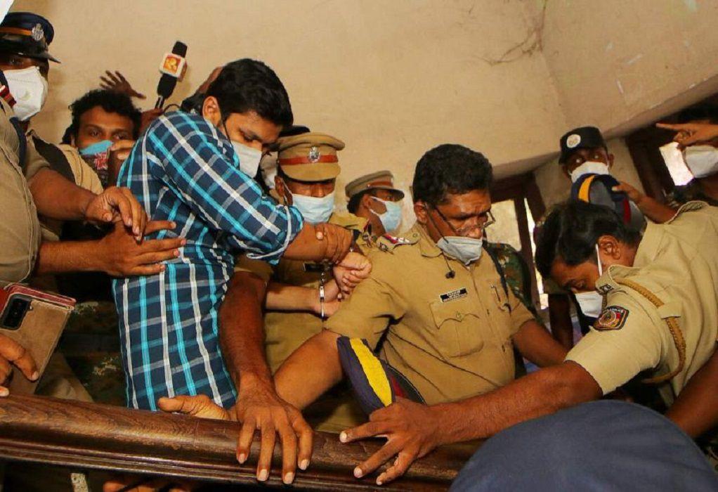Ινδία: Δύο φορές ισόβια στον άνδρα που δολοφόνησε τη σύζυγό του με κόμπρα