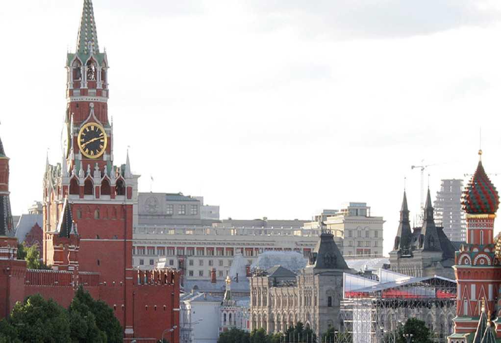 Ρωσία: Το Κρεμλίνο απευθύνει έκκληση προς τους Ρώσους να εμβολιασθούν