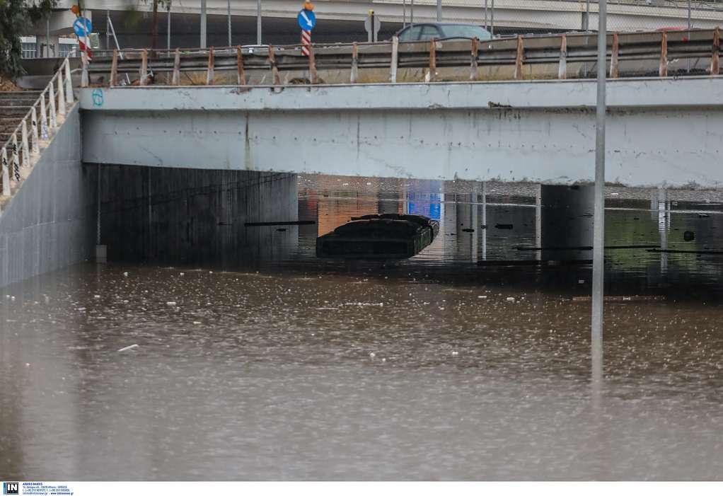 Παρέμβαση εισαγγελέα για το «βυθισμένο» λεωφορείο στην πλημμυρισμένη Ποσειδώνος