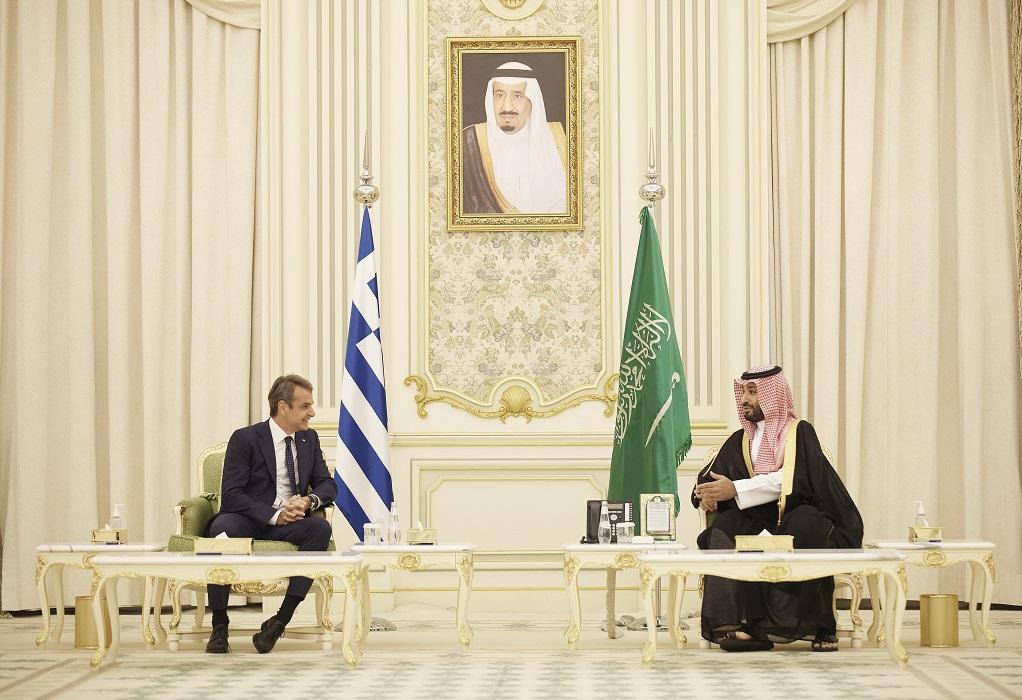 Επενδύσεις, ενέργεια, τουρισμός και άμυνα στη συνάντηση του πρωθυπουργού με τον πρίγκιπα διάδοχο της Σαουδικής Αραβίας