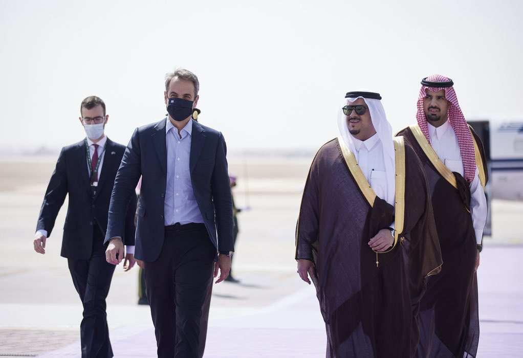 Με τον Τζον Κέρι συναντήθηκε στο Ριάντ ο πρωθυπουργός