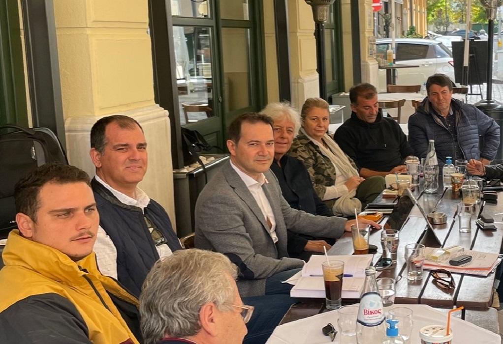 Θεσσαλονίκη: Με επαγγελματίες των Λαδάδικων συναντήθηκε ο Μιχάλης Κούπκας