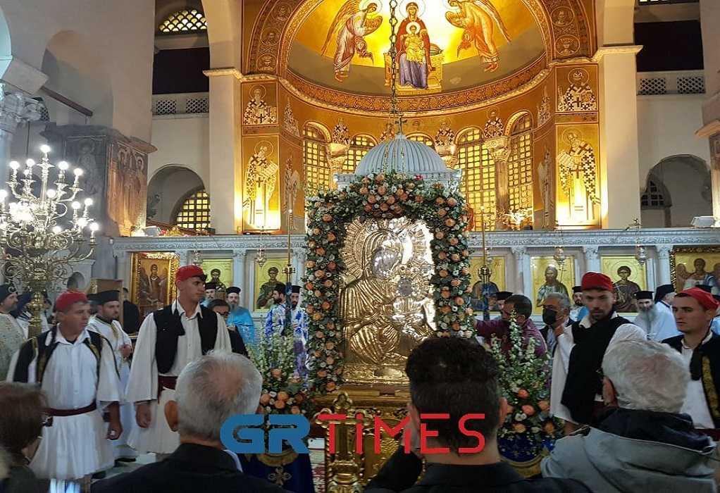 Θεσσαλονίκη: Πλήθος πιστών στην υποδοχή της εικόνας της Παναγίας Πορταΐτισσας (ΦΩΤΟ-VIDEO)
