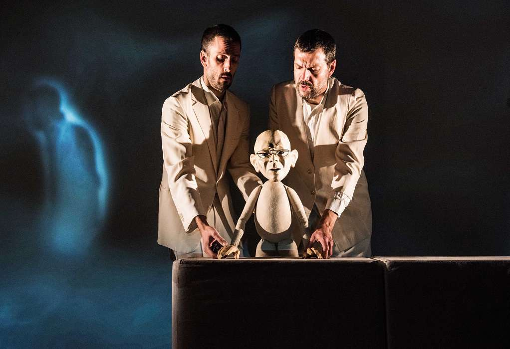"""Toku"" των Fly Theatre – Βασισμένη σε αληθινά γεγονότα στο Θέατρο Αυλαία"