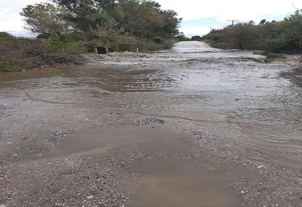 """Σίνδος: Έκλεισε η Πόντου στο ύψος του Γαλλικού – """"Φούσκωσε"""" ο ποταμός (ΦΩΤΟ)"""