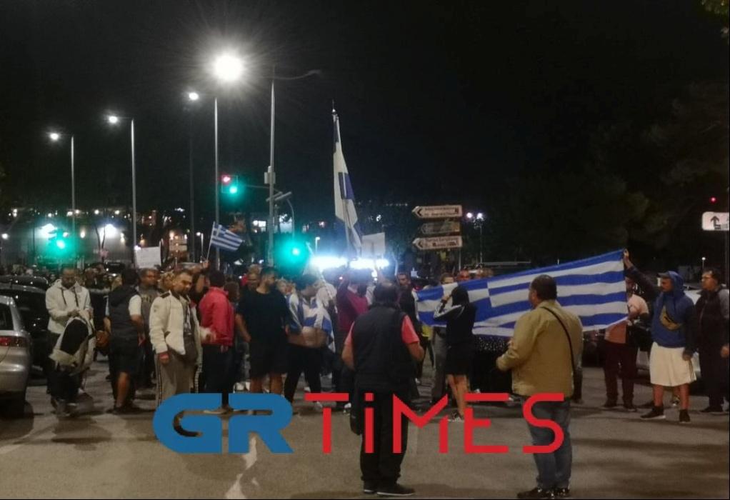 Πορεία αντιεμβολιαστών στο κέντρο της Θεσσαλονίκης (VIDEO)