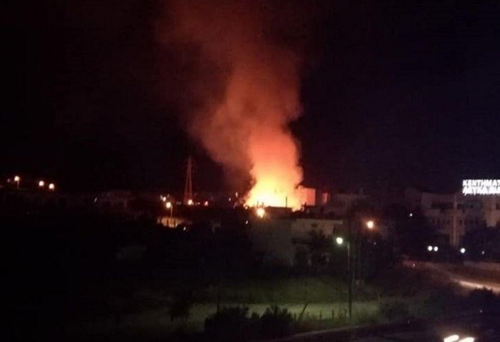 Αθήνα: Πυρκαγιά σε εξέλιξη στην περιοχή του Βοτανικού (ΦΩΤΟ)