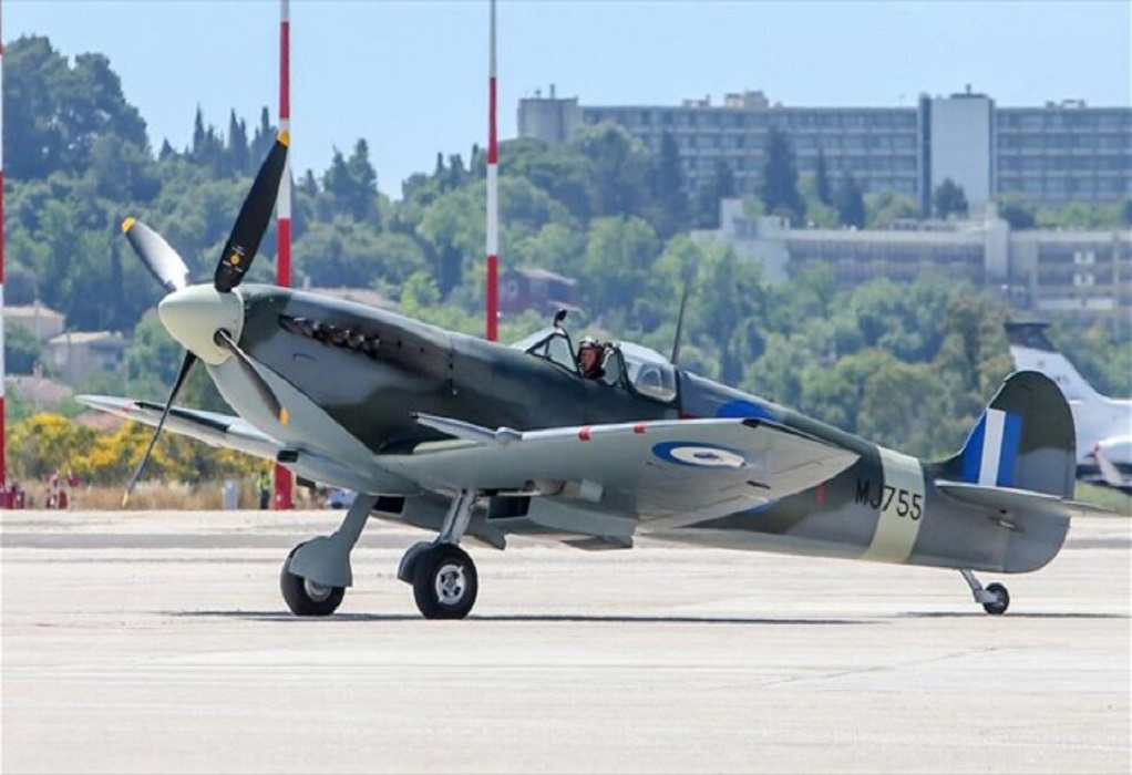 Θεσσαλονίκη: Για πρώτη φορά το ανακατασκευασμένο Spitfire MJ755 στη στρατιωτική παρέλαση