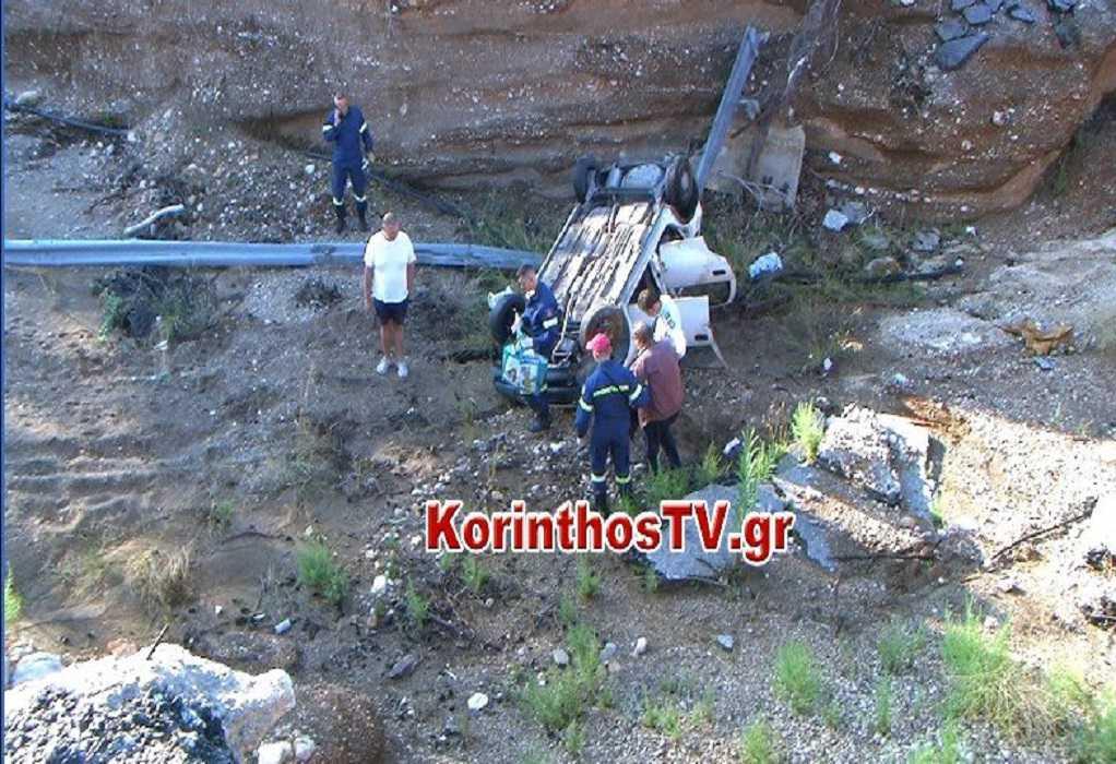 Κινέτα: Σοκαριστικό τροχαίο- Αυτοκίνητο έπεσε από ύψος 12 μέτρων (VIDEO)
