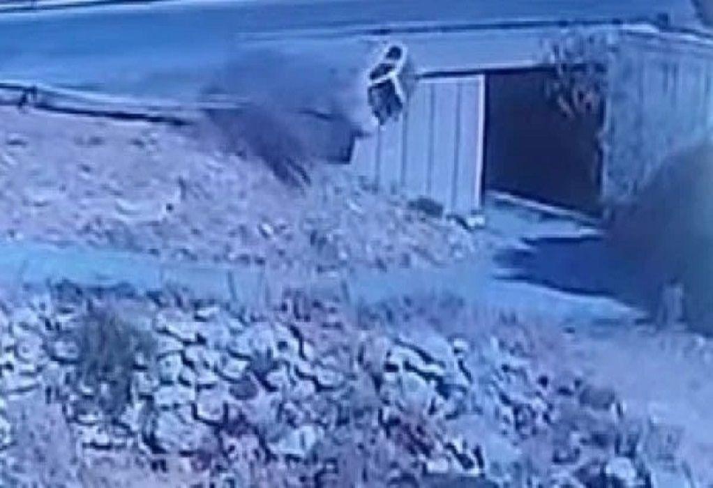Κρήτη: Βουτιά θανάτου οδηγού από γέφυρα – Συγκλονιστικό βίντεο