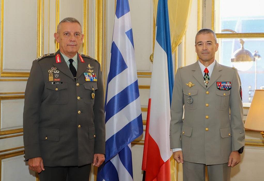 Με το μετάλλιο της Λεγεώνας της Τιμής τιμήθηκε ο αρχηγός ΓΕΕΘΑ στο Παρίσι