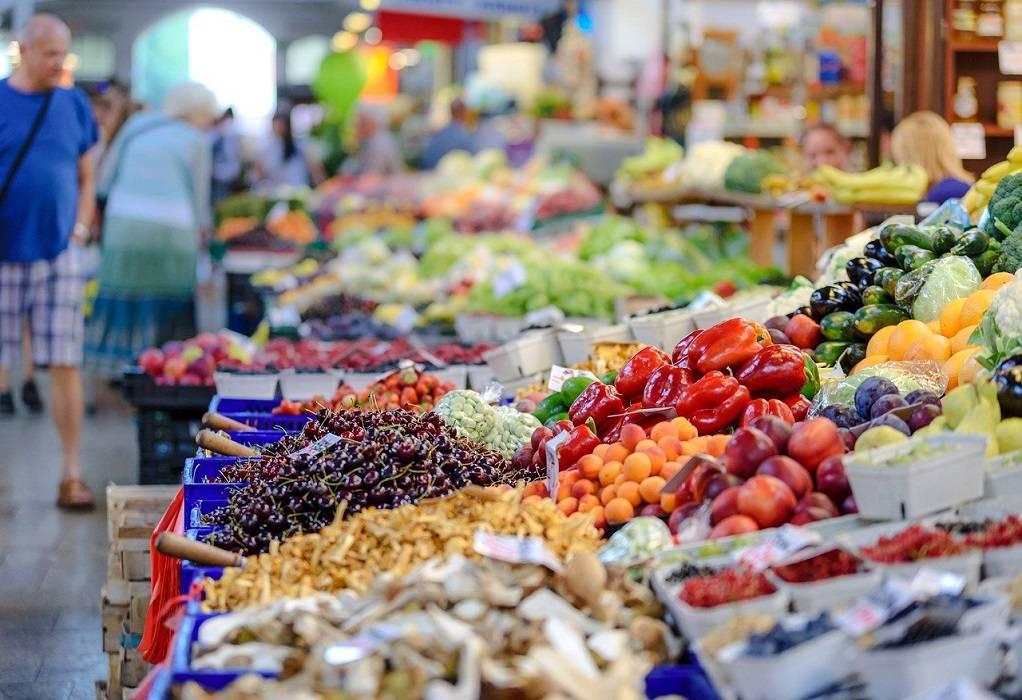 Koρωνοϊός: Τα λαχανικά και φρούτα που βοηθούν στην καταπολέμησή του