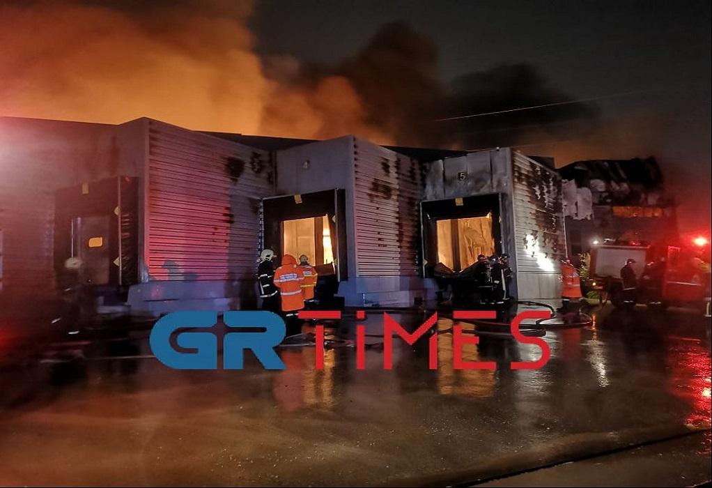 Θεσσαλονίκη: Φωτιά σε αποθήκη τροφίμων-Μεγάλες οι καταστροφές (ΦΩΤΟ-VIDEO)