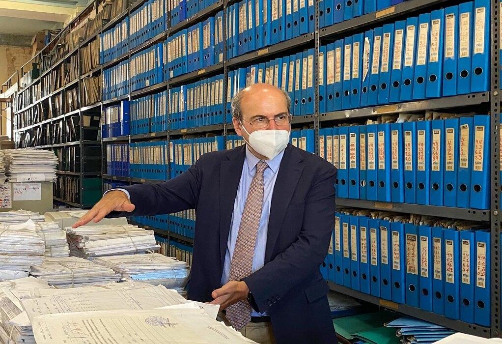 Χατζηδάκης: Στο πειθαρχικό υπάλληλοι ΕΦΚΑ που ταλαιπωρούν τον κόσμο
