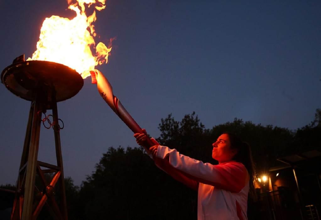 Η Ολυμπιακή Φλόγα λάμπει στην Ακρόπολη