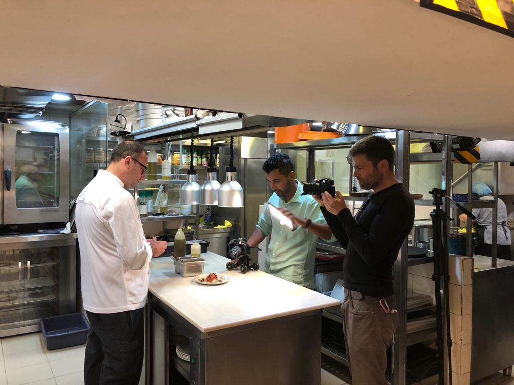 H γαστρονομία της Θεσσαλονίκης στο Discovery Channel's Asian Food Network
